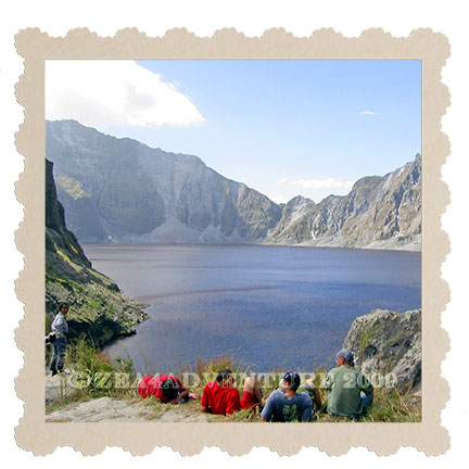 pinatubo-crater