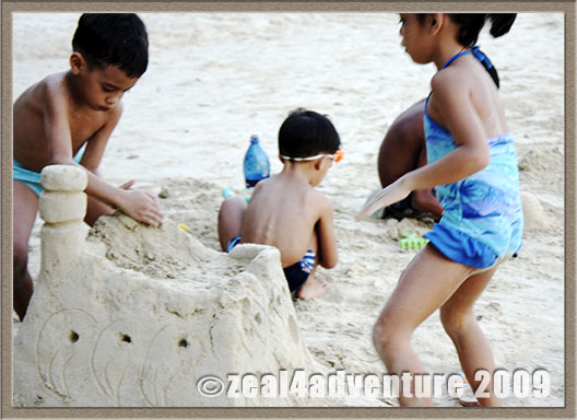children-sandcastle