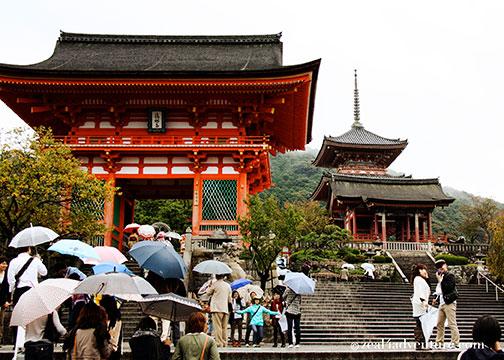 kiyomizu-temple-entrance