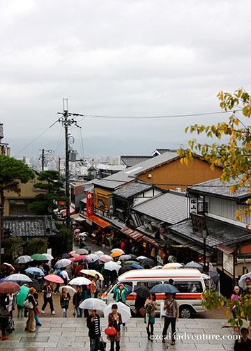 kiyomizuzaka-from-temple