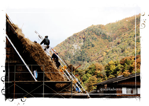 Ogimachi-fixing-roof