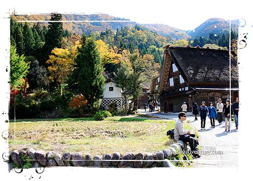 ogimachi-tourists