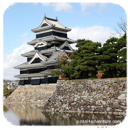 matsumoto-castle-moat