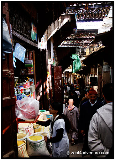 crowded-medina