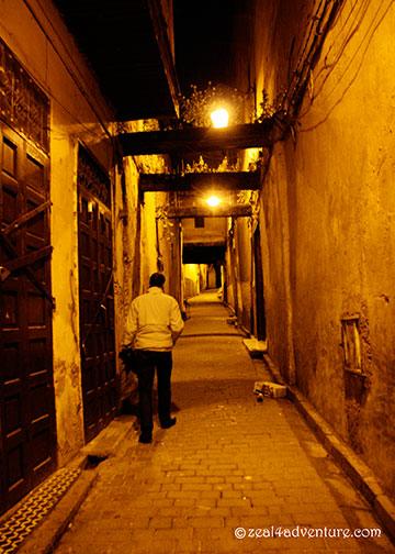 narrow-alleyway