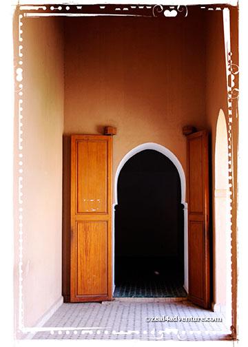 badi-palace-door