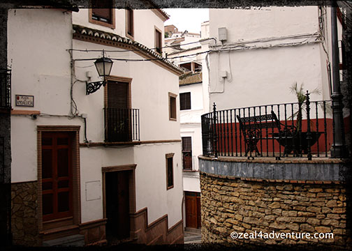 Setenil-narrow-hilly-roads-2