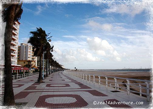 la-playa-de-Valdelagrana-promenade