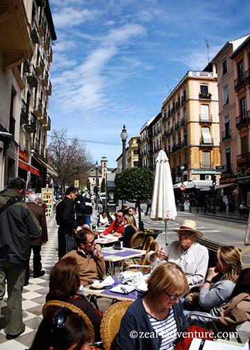 busy-plaza-nueva