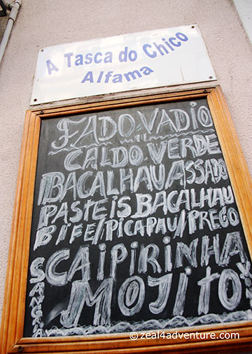 A-Tasca-do-Chico-signage