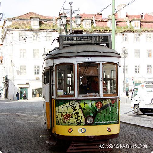 tram-in-figueira-square
