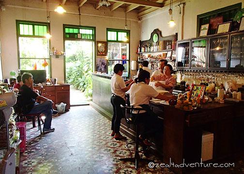 old-bar