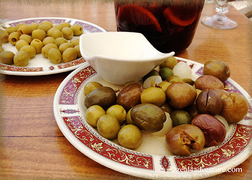 sangria-and-olives