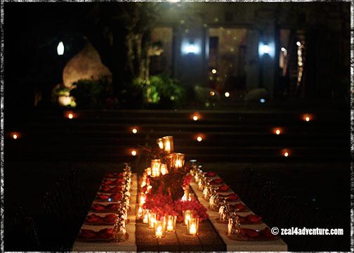 candlelit-dinner-setting