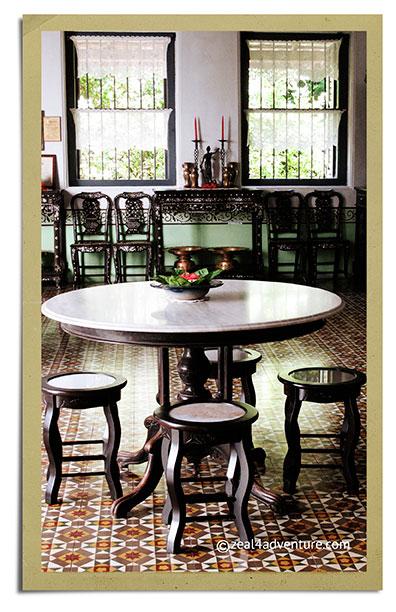 Chinpracha-livingroom