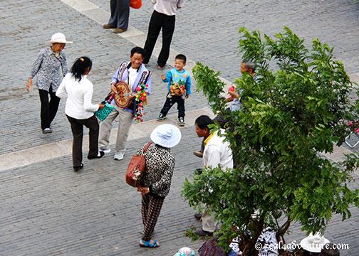 locals-socializing-3