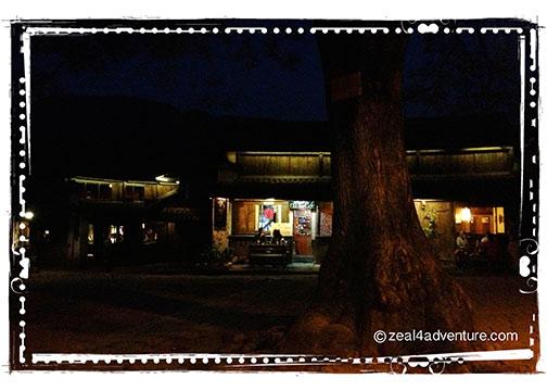square-at-night