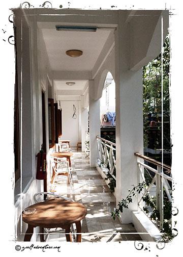 hallway-at-Mama's