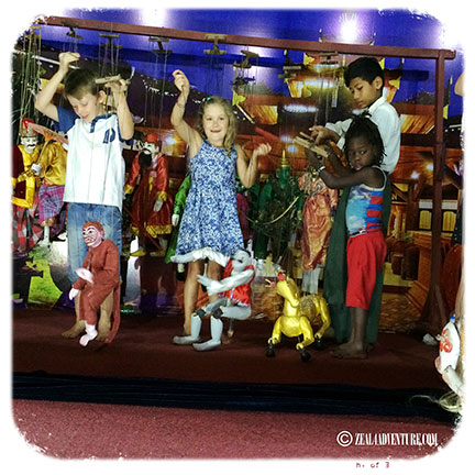 guests-playing-with-puppets