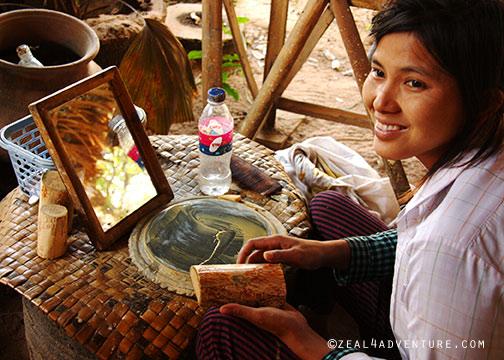 Making-Thanaka