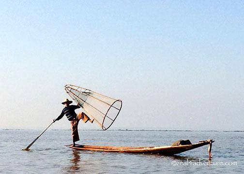 fisherman-posing-for-tourists