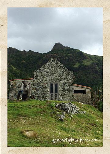 stonehouse-mountain-backdrop