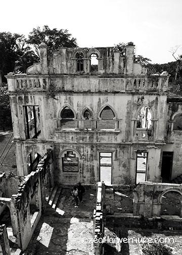Kellie's-castle-ruins-2